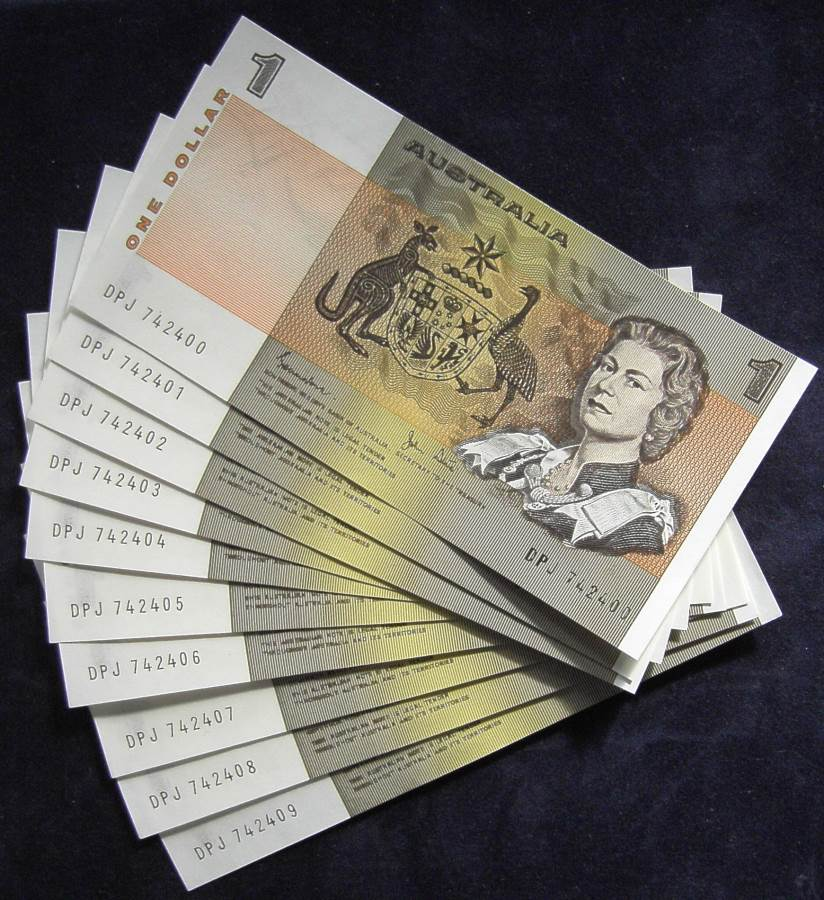1982 Australia One Dollar Note - DPJ - 10 x Consecutive