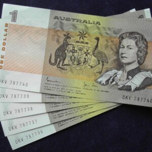 1982 Australia One Dollar Note X 5 - DKV  A