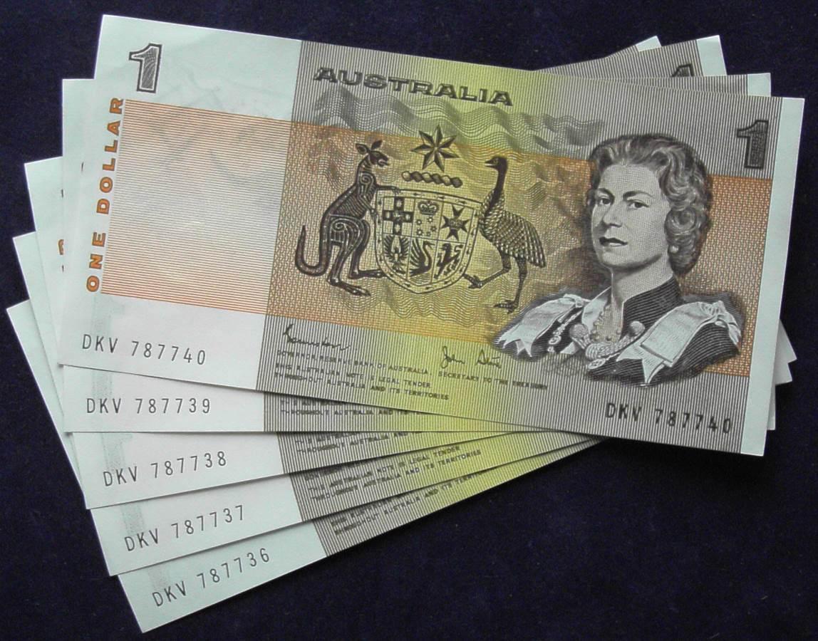1982 Australia One Dollar Note X 5 - DKV  A