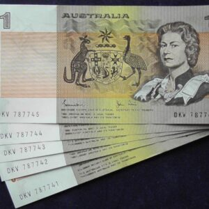 1982 Australia One Dollar Note X 5 - DKV   B