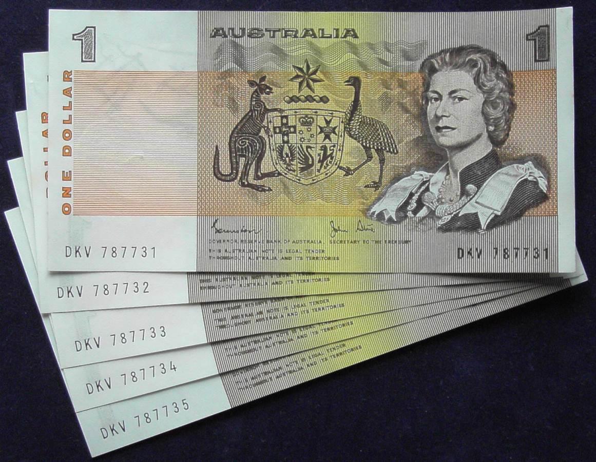 1982 Australia One Dollar Note X 5 - DKV   D
