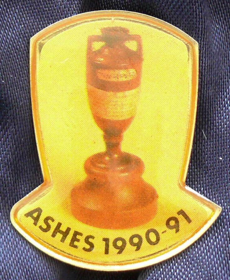 1990-91  Australian Test Cricket Ashes Series Pin